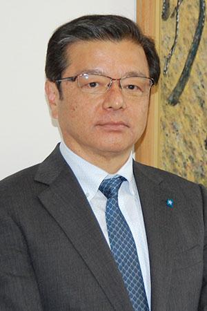 学校長 吉田 武志