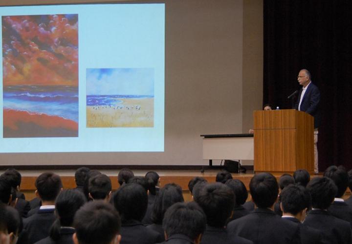 ドキュメンタリー映画「KOUNOTORI」上映会と映画製作者ラン・レヴィーヤマモリ氏の特別講演会